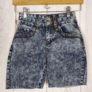 Forever 21 Mom Shorts Acid Wash Booty Shorts
